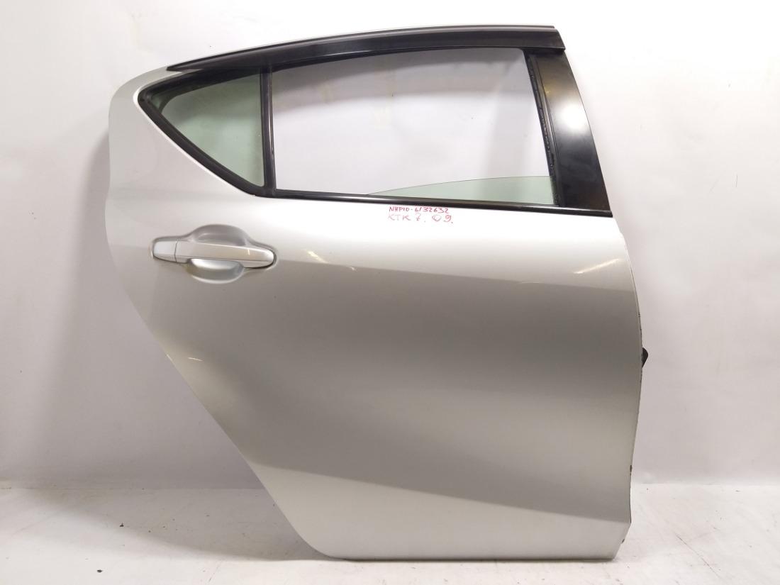 Дверь Toyota Aqua NHP10 1NZFXE 2013 задняя правая