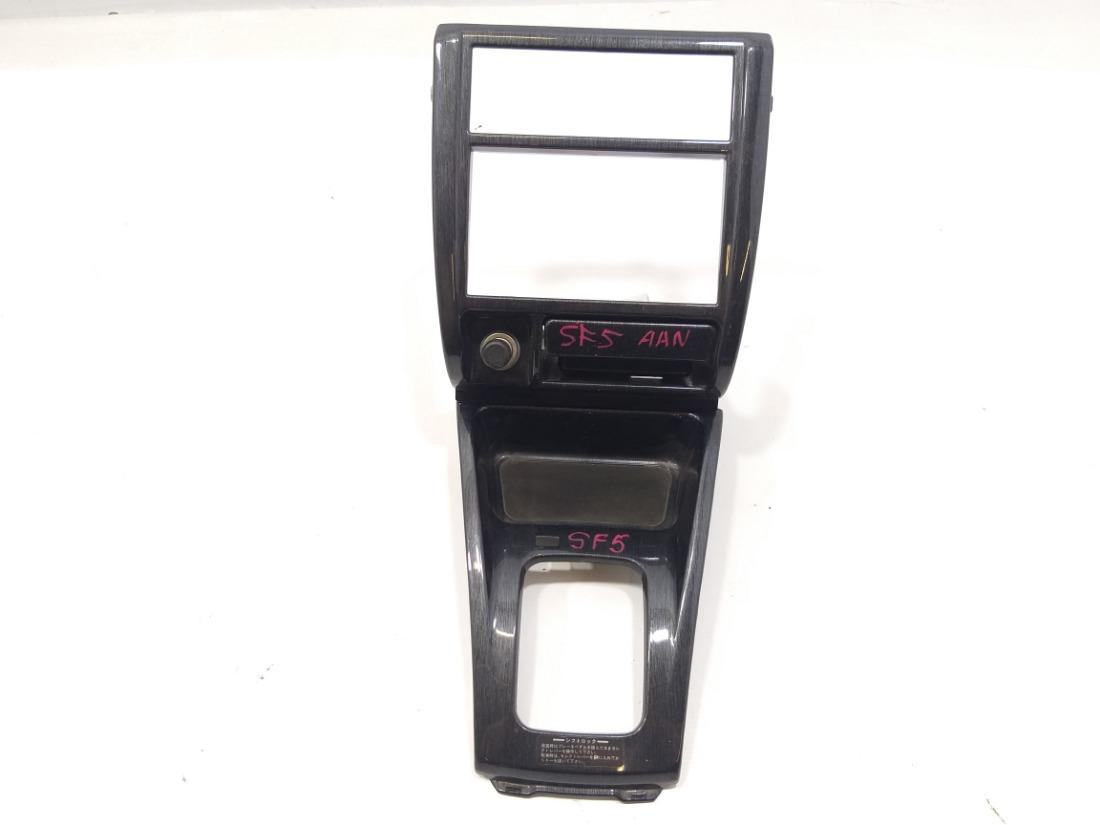 Рамка магнитофона Subaru Forester SF5 EJ205 2000