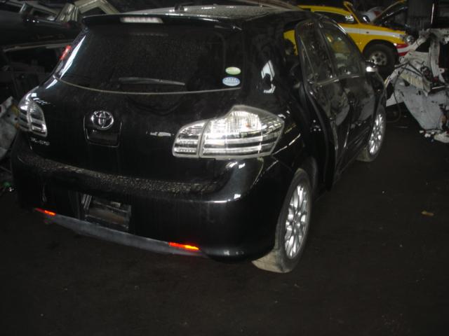 Стекло двери задней Toyota Blade AZE156 2AZ 2006