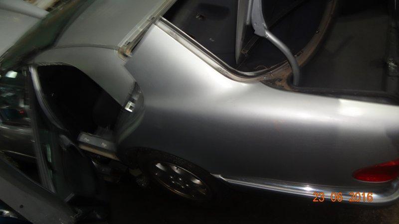 Крыло Mercedes E230 W210 1996 заднее левое