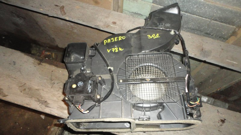 Печка Mitsubishi Pajero V73W 6G72 2000