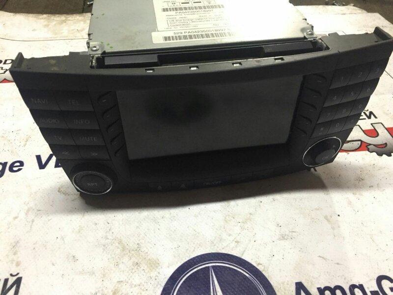 Магнитофон Mercedes E240 W211 112913 2002