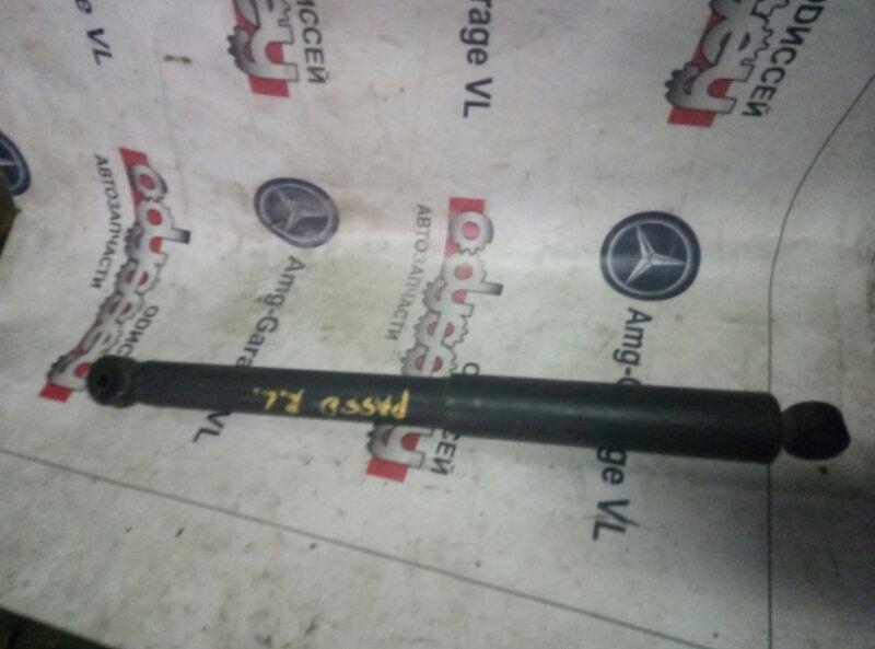 Амортизатор Toyota Passo KGC15 1KRFE задний