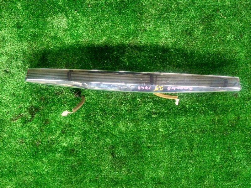 Накладка на дверь Nissan Serena CC25 MR20-344989A 2007 задняя