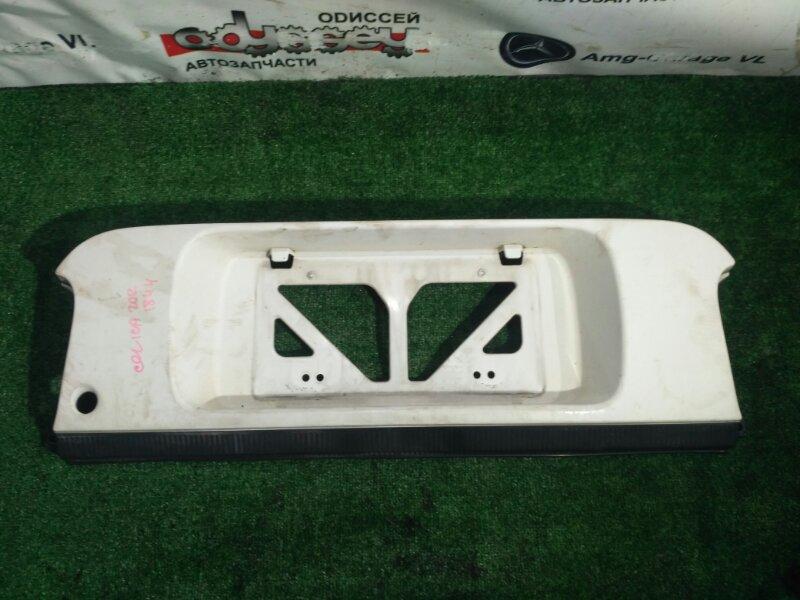 Вставка между стопов Toyota Celica ST202 3SGE 9368886 BEMS 1998 задняя