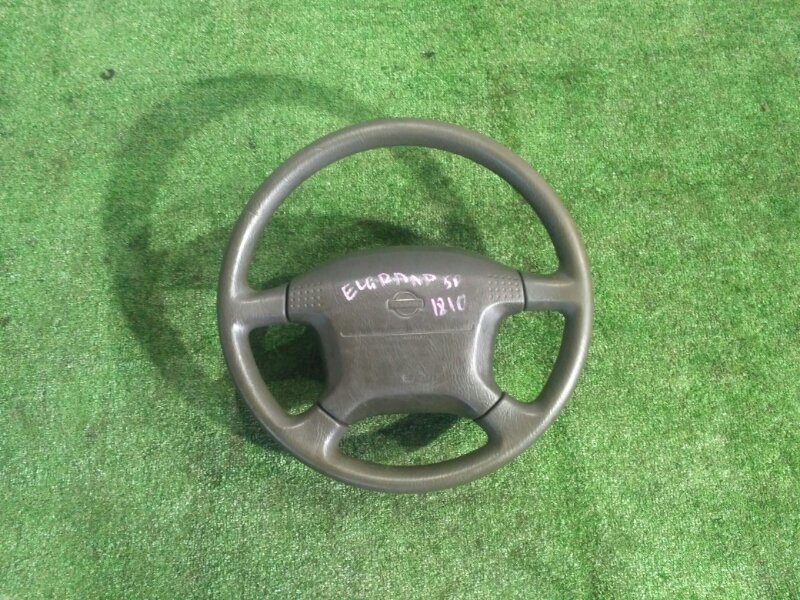 Руль Nissan Elgrand AVWE50 QD32-022425A 1997
