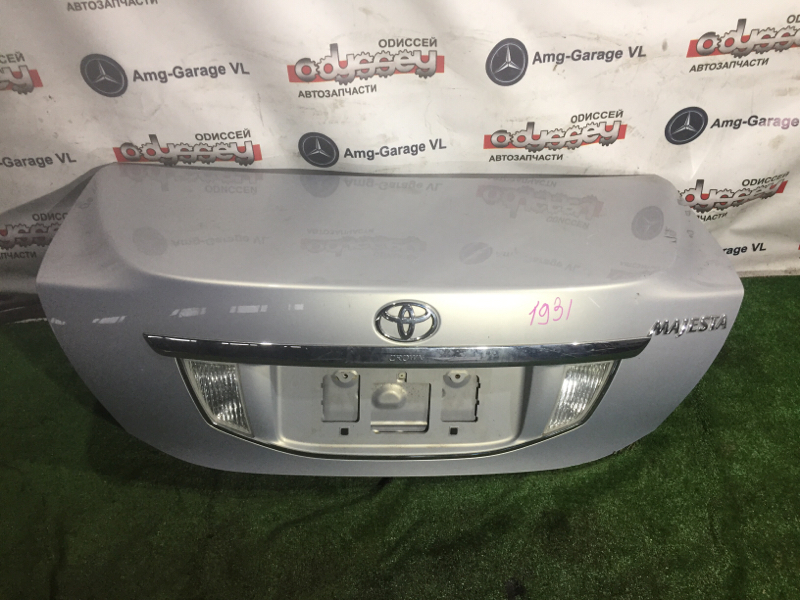 Крышка багажника Toyota Crown Majesta URS206 1UR-FSE-0140364 2009