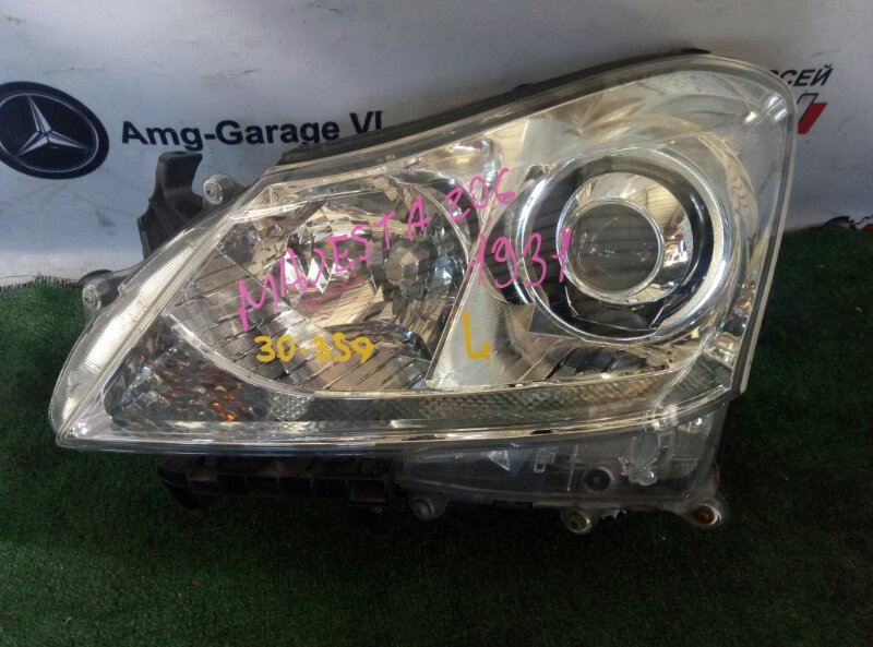 Фара Toyota Crown Majesta URS206 1UR-FSE-0140364 2009 передняя левая