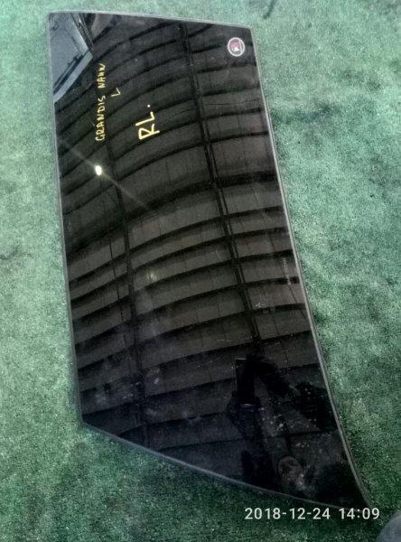Стекло собачника Mitsubishi Grandis NA4W 4G69 2003 правое