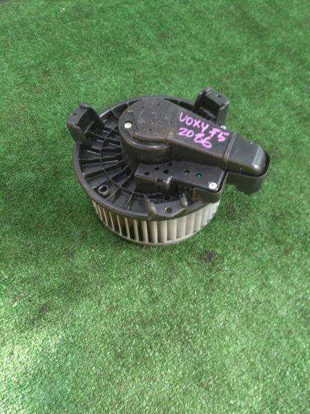 Мотор печки Toyota Voxy ZRR75 3ZR-4169748 2008