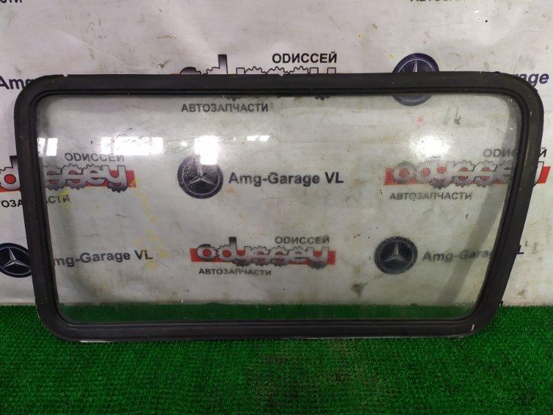 Стекло собачника Mazda Bongo SS28M R2-670042 1996 заднее правое