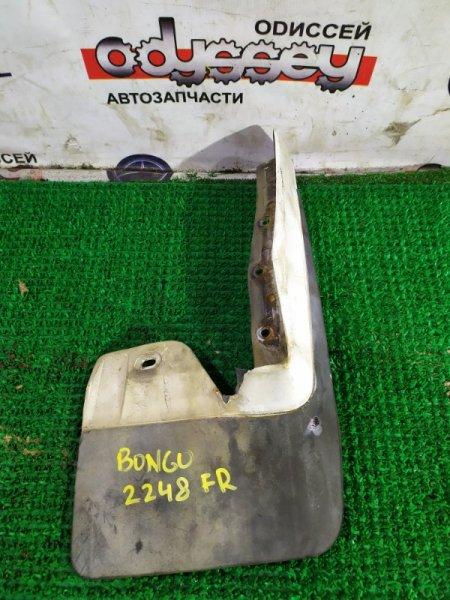 Брызговик Mazda Bongo SS28M R2-670042 1996 передний правый