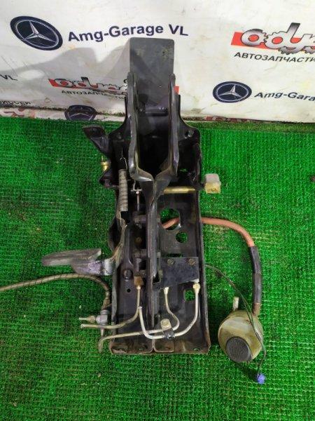 Педаль сцепления Hino Hino Ranger FD176 H07C-E13410 1990