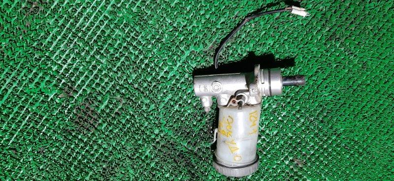 Главный тормозной цилиндр Suzuki Escudo TD62W-100444 H25A-108639 1998