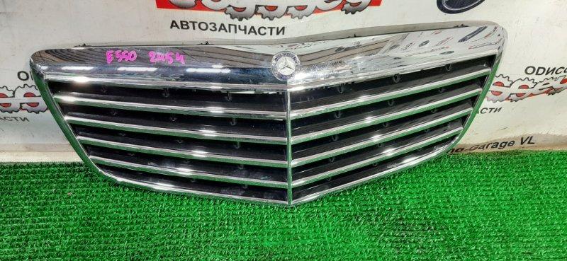 Решетка радиатора Mercedes E550 W211 273960 2006