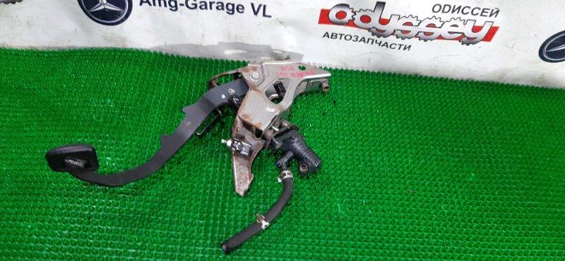 Педаль сцепления Toyota Corolla Fielder NZE141 1NZ-FE 2008