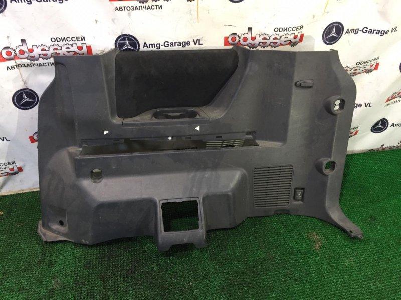 Обшивка багажника Mitsubishi Delica D5 CV5W 4B12-RA1986 2007 задняя правая