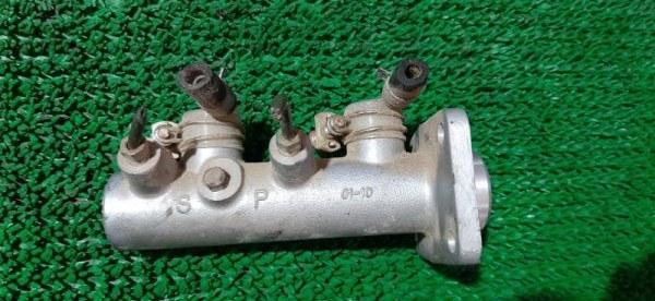 Главный тормозной цилиндр Isuzu Elf NHR69 4JG2 2004