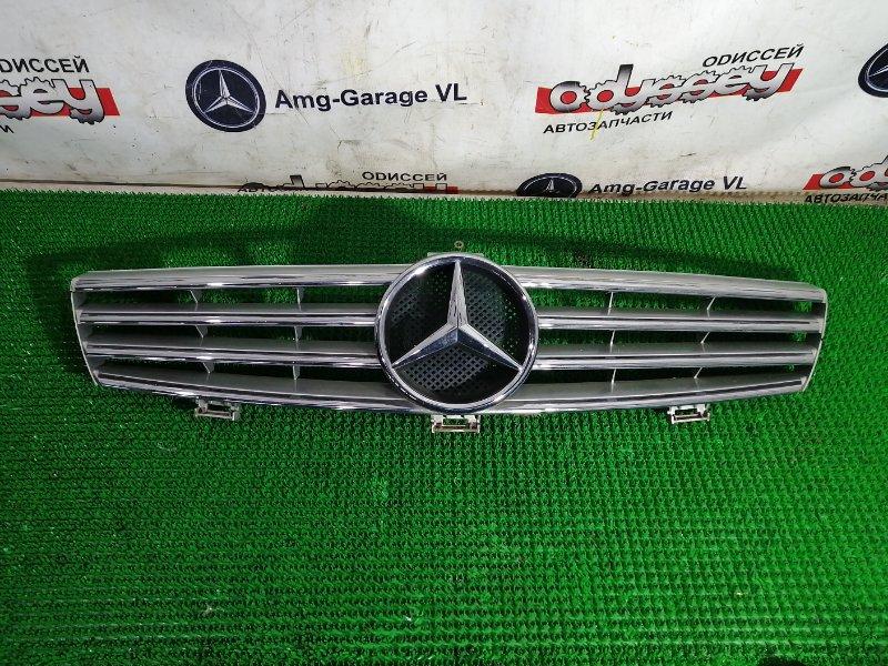 Решетка радиатора Mercedes Cls500 W219 113.967 2005 передняя