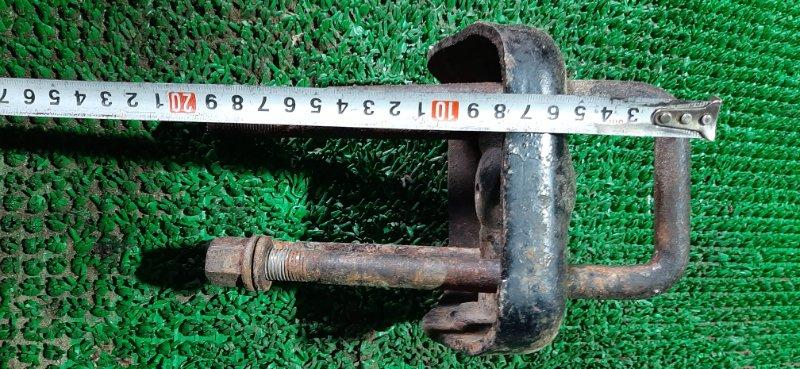 Стремянка рессоры Toyota Hiace LH85 2L 1992 задняя правая
