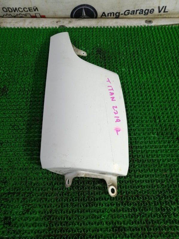 Щечка Mazda Titan SYE4T FE 2001 передняя правая