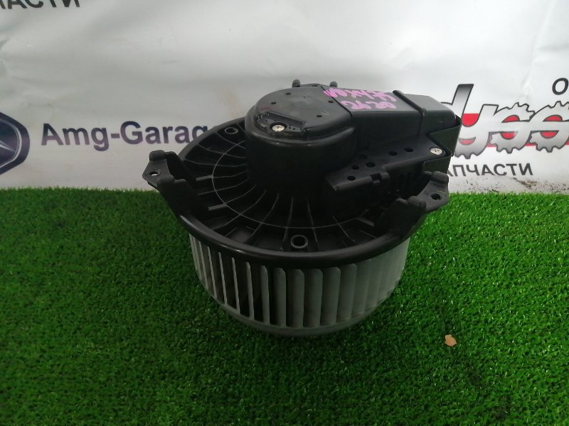 Мотор печки Toyota Voxy ZRR75 3ZR-FE 2009