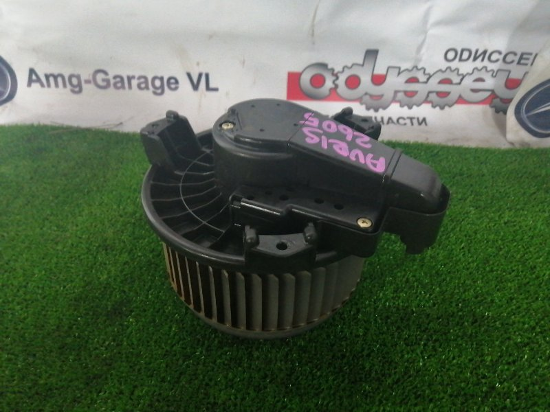 Мотор печки Toyota Auris NZE154H 1NZ-FE 2009