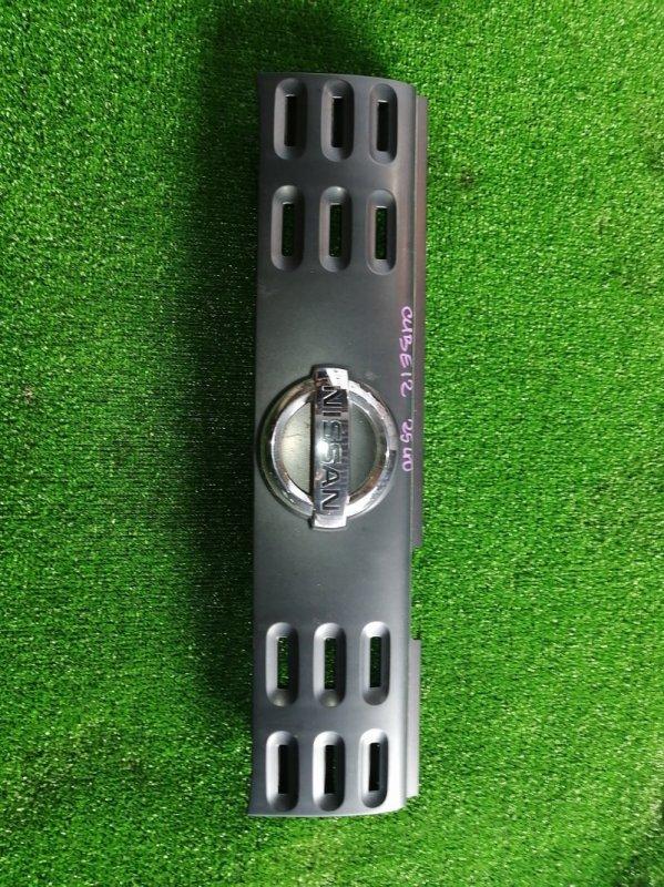 Решетка радиатора Nissan Cube Z12 HR15 2008