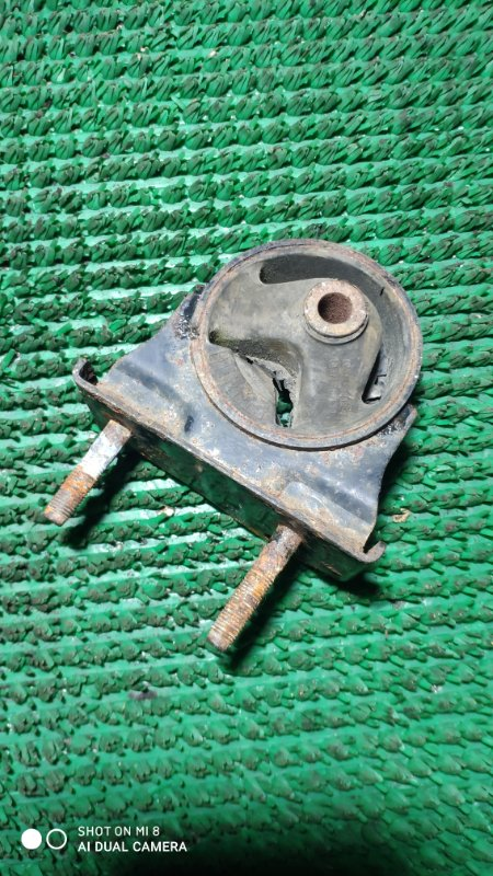 Подушка двигателя Toyota Rav4 ACA21 1AZ-0071161 2000 задняя
