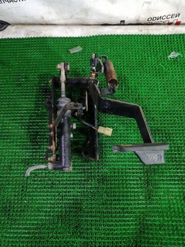 Главный цилиндр сцепления Mitsubishi Fuso FK71HD 6M61 1999