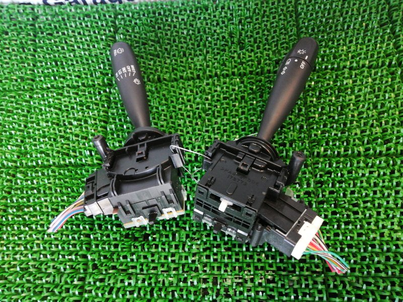 Блок подрулевых переключателей Daihatsu Mira L275V KF-VE 2012
