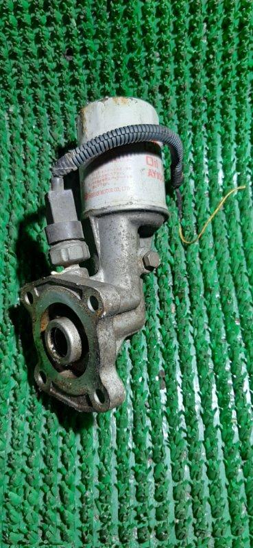 Крепление масляного фильтра Nissan Atlas H4F23 KA20-100075X 2004