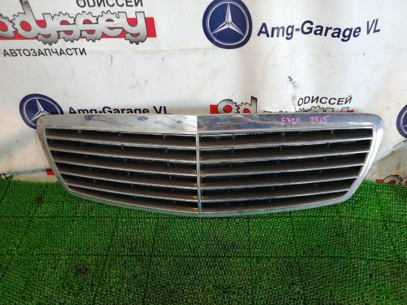 Решетка радиатора Mercedes E320 WDB211 112949 2003