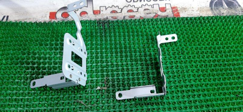Крепление автомагнитолы Nissan Xtrail NT32 MR20DD-626122B 2014