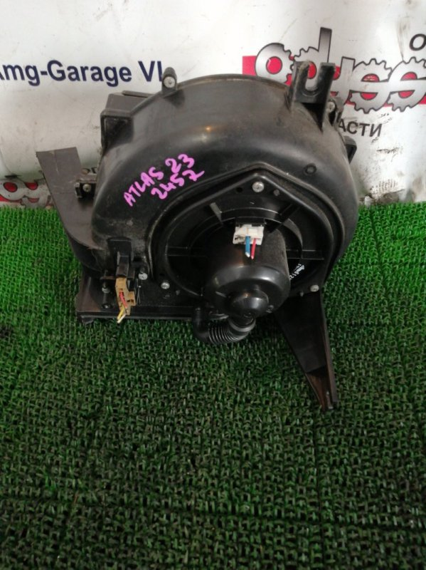 Мотор печки Nissan Atlas R8F23 QD32 2004