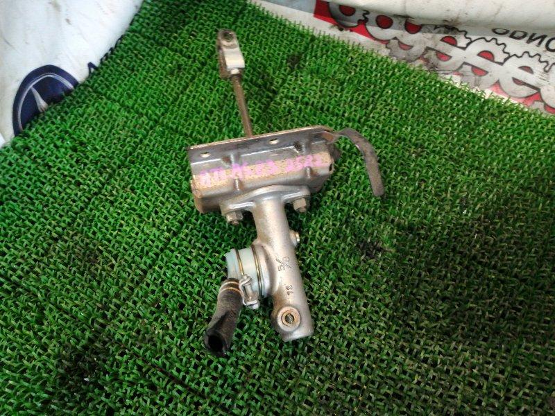 Главный цилиндр сцепления Nissan Atlas R8F23 QD32 2000