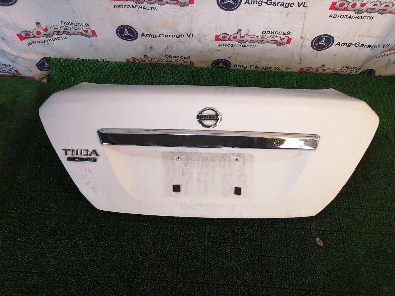 Крышка багажника Nissan Latio CS11