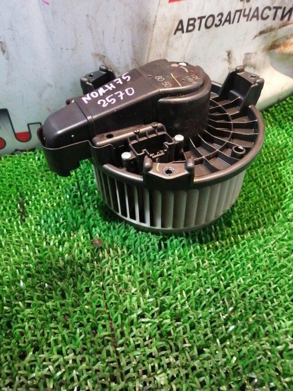 Мотор печки Toyota Noah ZRR75 3ZR-FAE 2013