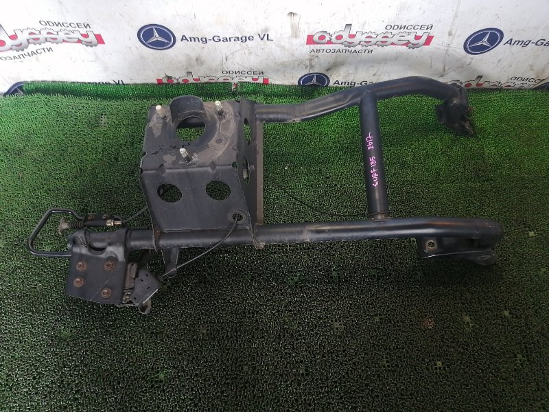 Крепление запасного колеса Toyota Hilux Surf RZN185 3RZ-FE 2001
