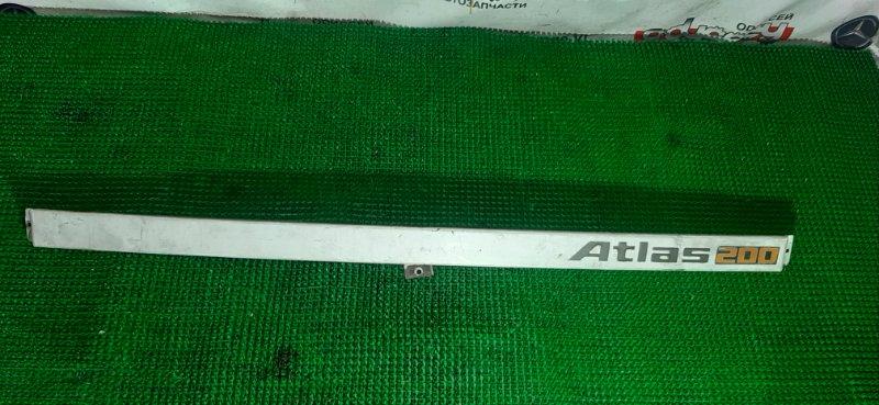 Планка передняя Nissan Atlas SH40-055047 FD35-053754B 1990
