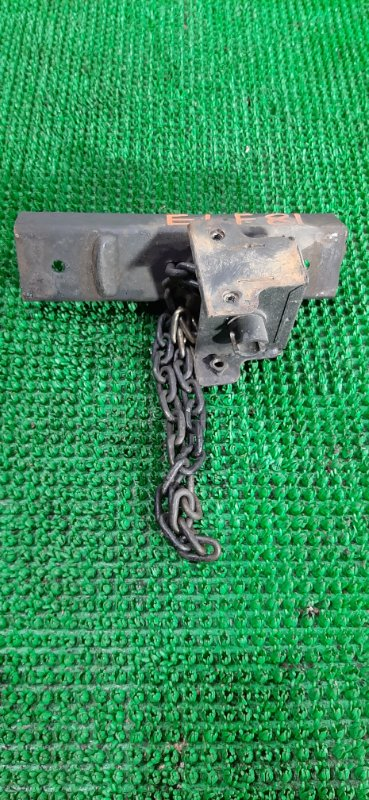 Крепление запасного колеса Isuzu Elf NKR81 4HL1 2004