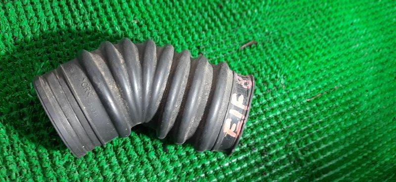 Патрубок воздушн.фильтра Isuzu Elf NKR81 4HL1 2004