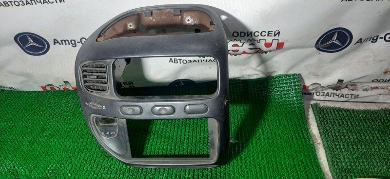 Консоль магнитофона Mitsubishi Delica PD6W