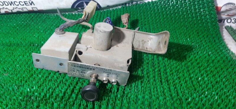 Клапан стояночного тормоза Mitsubishi Fuso FV411TZ 8M20 1994