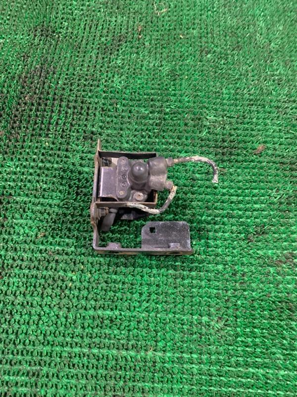 Распределитель тормозной Isuzu Elf NKR71 4HG1 1995