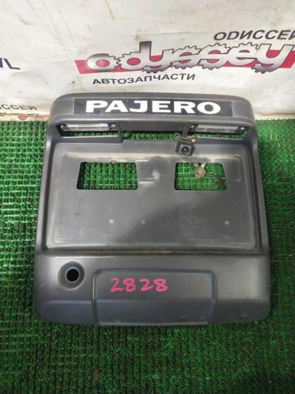Ручка двери задней Mitsubishi Pajero V68W 4M41 1999