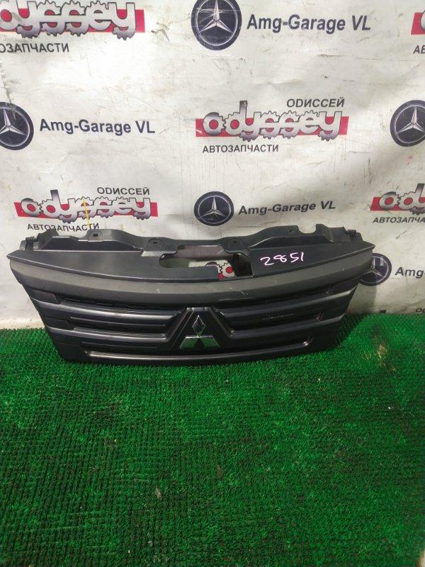 Решетка радиатора Mitsubishi Delica VM20-705061 HR16 DE 2013