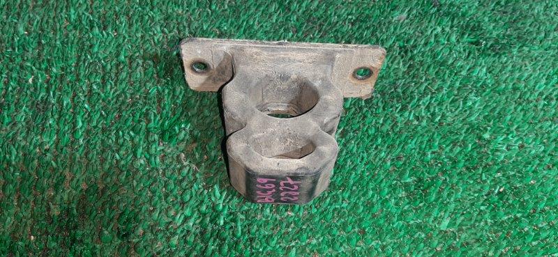 Отбойник Isuzu Bighorn UBS69DW 4JG2 1992 задний