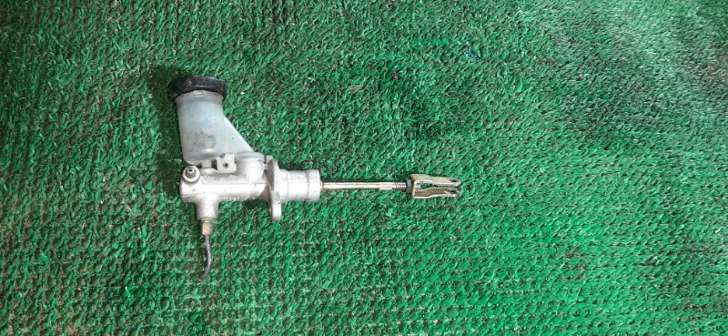Главный цилиндр сцепления Nissan Datsun RMD22 QD32 2001