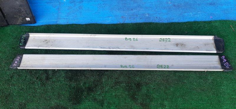 Подножки комплект Isuzu Bighorn UBS26GW-7200757 6VE1 1999